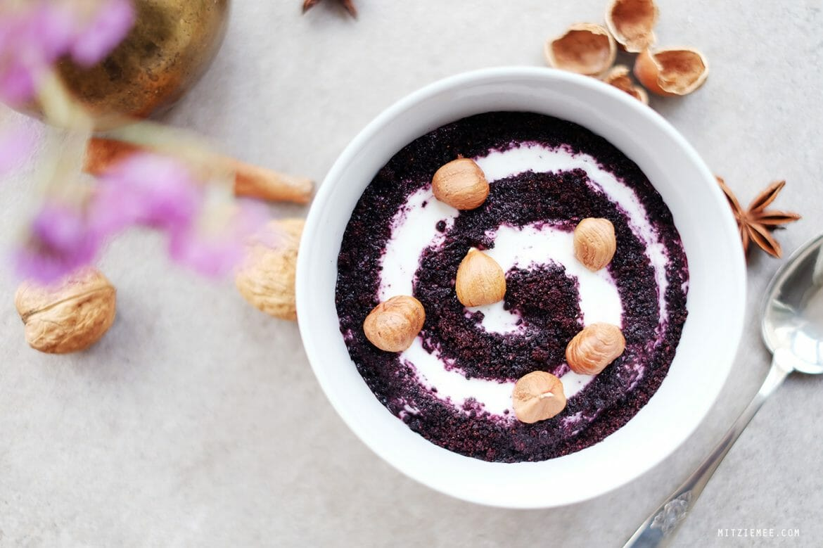 Breakfast bowl with Bilberry Powder