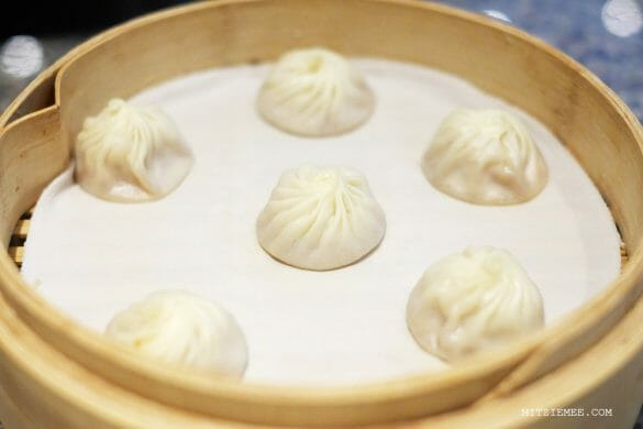 Singapore: Din Tai Fung and How to eat a soup dumpling