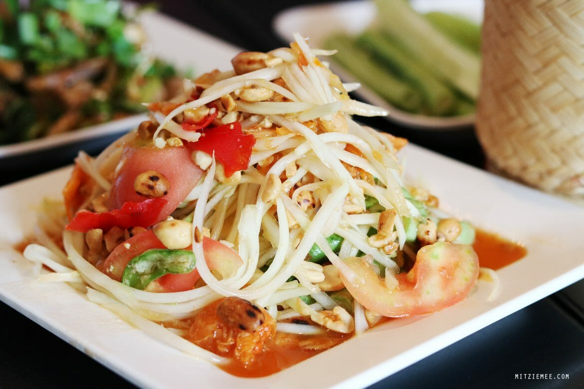 Papaya salad at Somtum Der, Bangkok