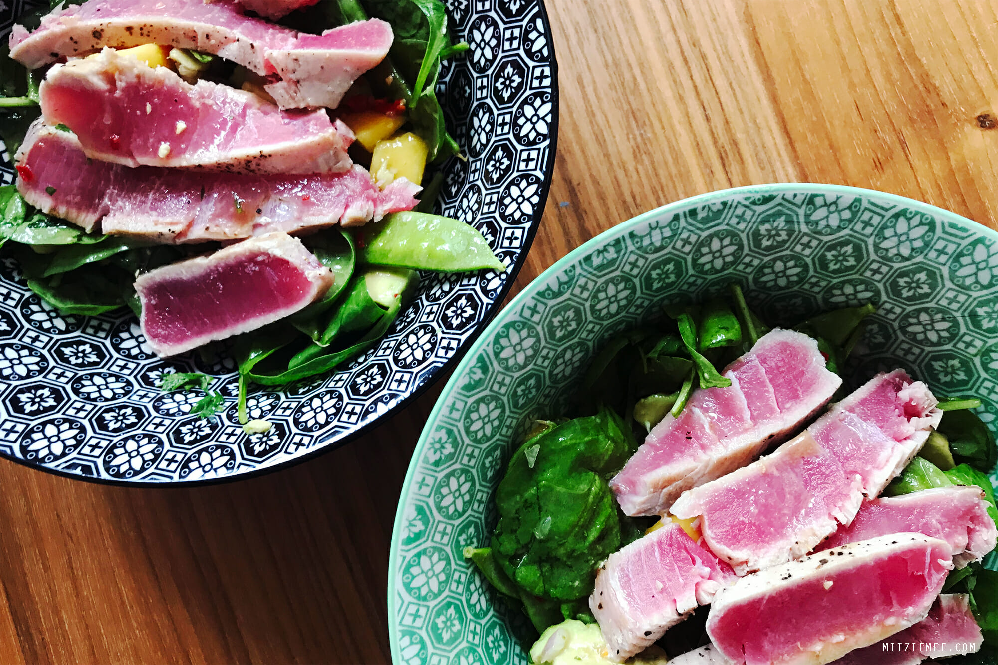 Salad with seared tuna, mango and avocado, recipe