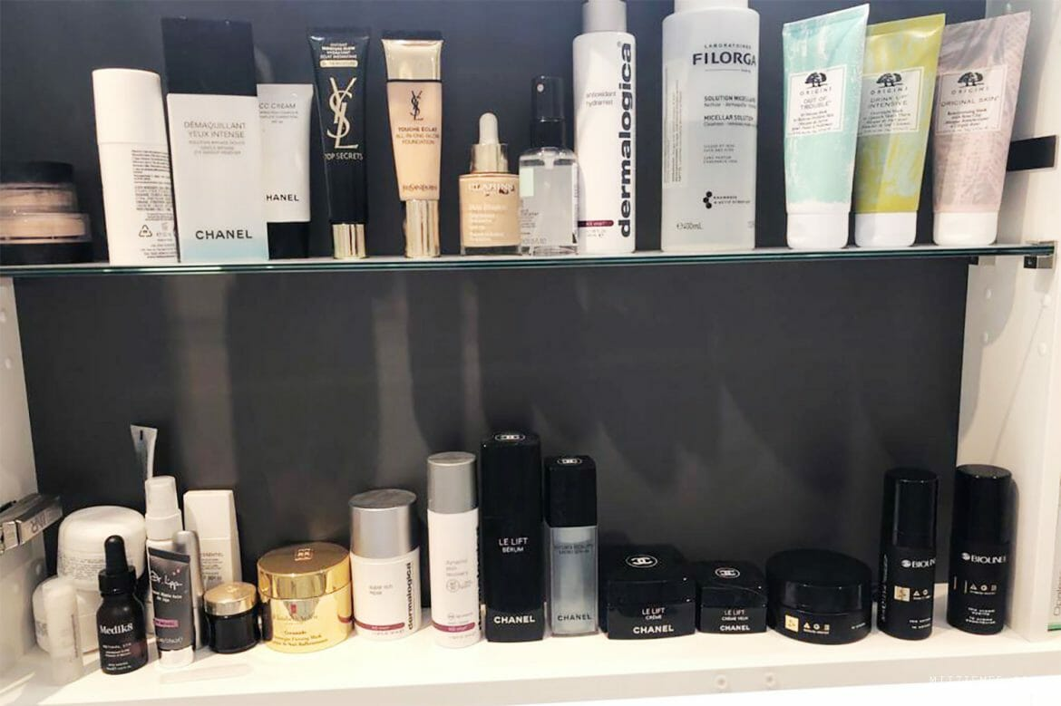 My friend Rikke's bathroom shelf